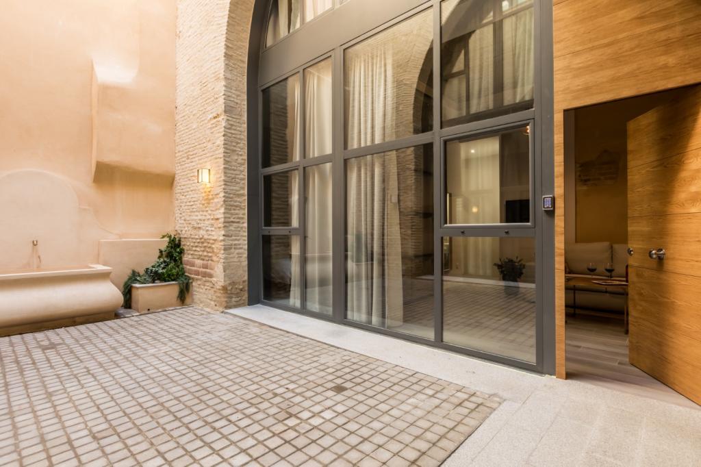 7362-1561477783_edificio-rodrigo-bajo-con-patio-02.jpg.jpg