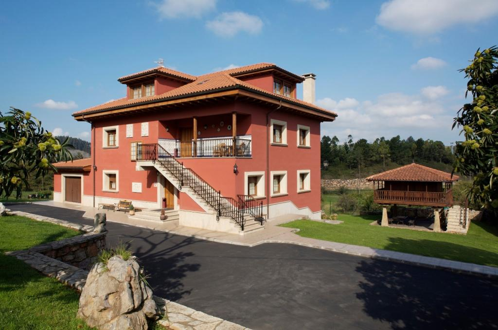 Casa Regina Perlora
