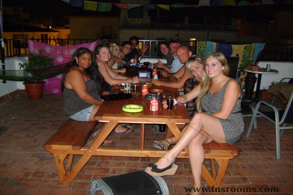 Hostal Plaza at San Pedro de Alcantara - Cheap Hostel at San Pedro, Marbella - Home
