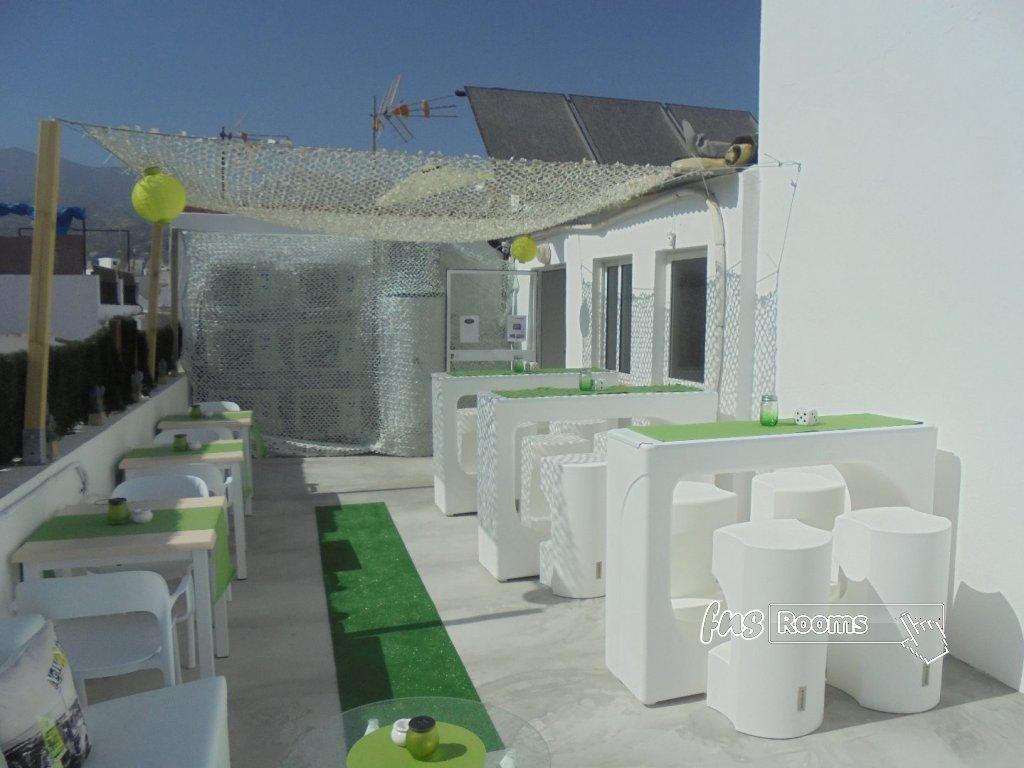 964-1527773328_terrace-10.jpg