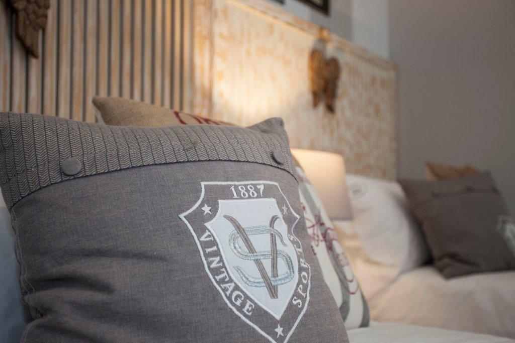 Superior Doble con Balcon (1 cama de matrimonio)